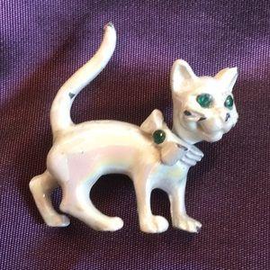 Jewelry - Vintage bobble head cat brooch